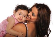 女儿讲西班牙语的美国人母亲 库存图片