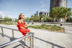 女商人在巴塞罗那 免版税库存图片