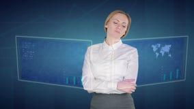 女商人在触摸屏做一个财务分析 财政贸易 股票录像