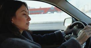 女商人驾驶 股票视频