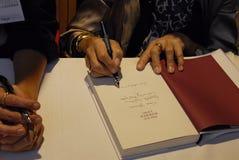 女士 西西FROKJAER &资深作者LISE NORGAARD 免版税库存图片