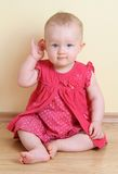 女婴微笑 免版税图库摄影