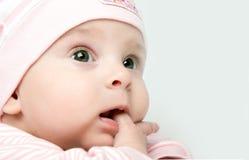 女婴看起来不感兴趣 免版税库存图片