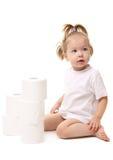 女婴纸张洗手间 库存照片