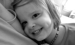 女婴项链 免版税库存图片