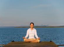 女子瑜伽 图库摄影