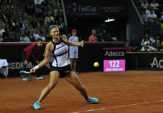 女子行动的网球员 免版税库存图片
