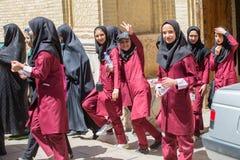 年轻女学生在设拉子,伊朗 库存图片