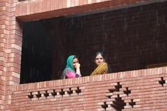 女学生在巴基斯坦 免版税库存图片