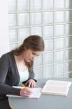 女学生学习 免版税库存照片