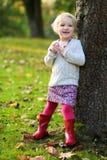 女孩一点公园使用 免版税库存图片