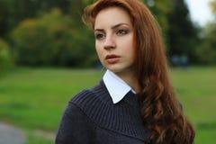女孩企业样式公园画象秋天 库存照片