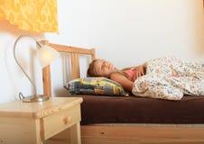 女孩休眠 免版税图库摄影