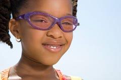 女孩佩带的太阳镜 免版税库存照片