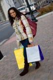 女孩俏丽的购物 库存图片