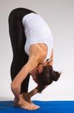 女孩信奉瑜伽者 免版税库存照片