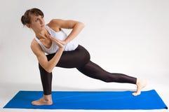 女孩信奉瑜伽者 图库摄影