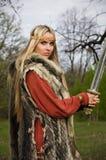 女孩北欧海盗战士 免版税图库摄影