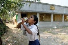 女孩印度农村学校 库存照片