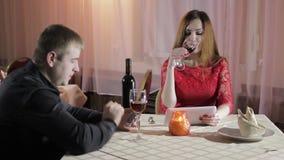 女孩和人咖啡馆的 影视素材