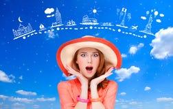 女孩和和旅行地图。 免版税图库摄影