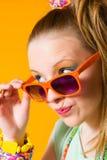 女孩和太阳镜 免版税库存照片