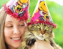 女孩和猫 免版税图库摄影