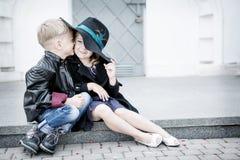 女孩和男孩 库存图片
