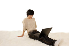 女孩和计算机 免版税库存图片
