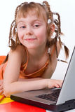 女孩和计算机 库存图片