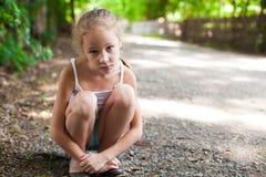 女孩哀伤的一点 免版税库存图片