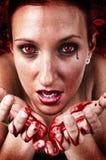 女孩哭泣的血淋淋的泪花 免版税库存图片