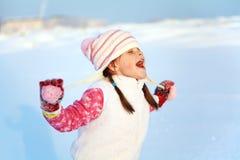 女孩在冬天 户外子项 库存图片
