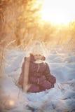 女孩在冬天 免版税图库摄影