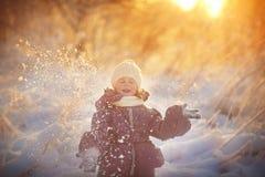 女孩在冬天 库存图片