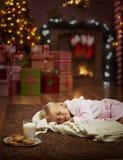 女孩在圣诞节时间 库存照片