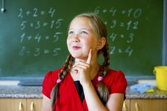 女孩在学校 免版税图库摄影