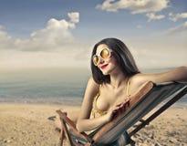 女孩在海边 免版税库存图片
