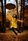 女孩在秋天 库存照片