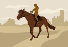 女孩在马背上,剪影 免版税库存图片
