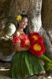 女孩夏威夷年轻人 免版税库存照片