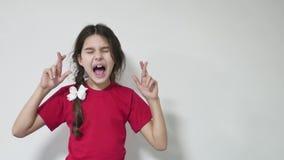 女孩孩子让与为好运但愿的身分担心 女孩孩子做一个愿望 股票录像