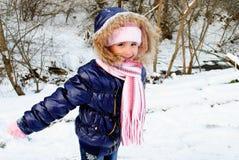 女孩室外冬天 免版税库存图片