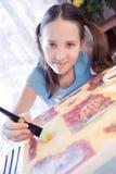 女孩家庭绘画正schoold 库存图片