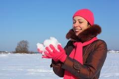 女孩对室外雪冬天负新 免版税库存图片