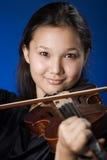 女孩小提琴 库存图片