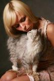 女孩小猫 免版税图库摄影