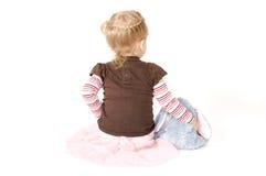 女孩小的兔子玩具 免版税图库摄影