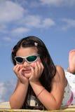女孩小的太阳镜 库存图片