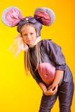 女孩小的鼠标诉讼 免版税库存图片